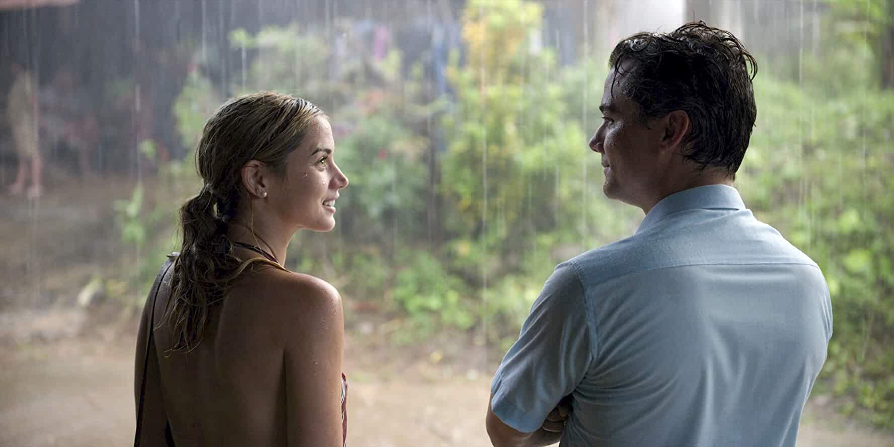 Wagner Moura and Ana de Armas in Sergio (2020)